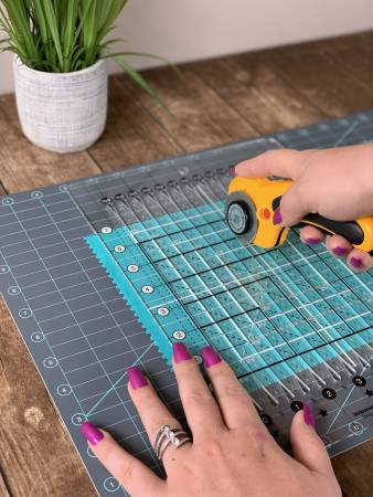 Creative Grids Cutting Mat 18in x 24in